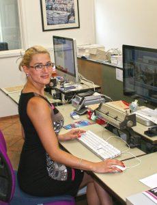 Franziska Lohmeier am iMac